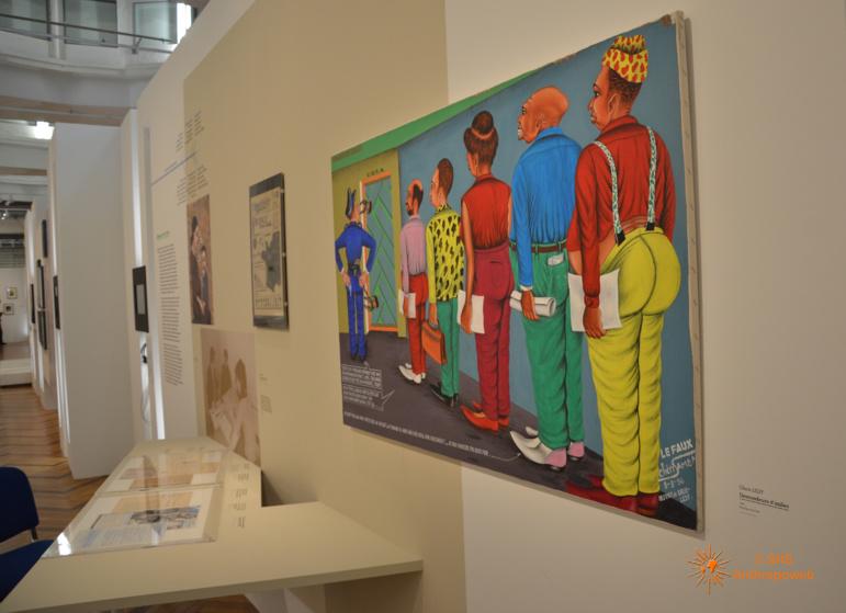 """Exposition """"Frontières"""" avec au premier plan, """"Demandeurs d'asile', Check Ledy, 1994"""